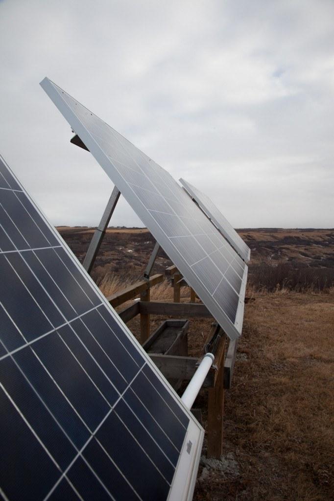 Life-Off-Grid_Alberta_02
