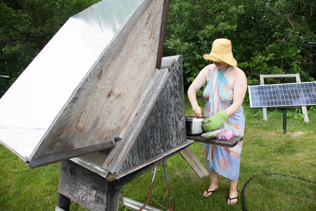 Cooking with a solar oven